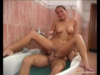 smotret-russkoe-porno-mat-v-dushe